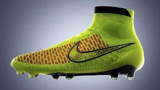 A Nike foi mais ousada e lançou uma espécie de bota para os jogadores. Para  os saudosistas pode até lembrar os calçados utilizados pelos jogadores de  ... b4af9d69b3f48