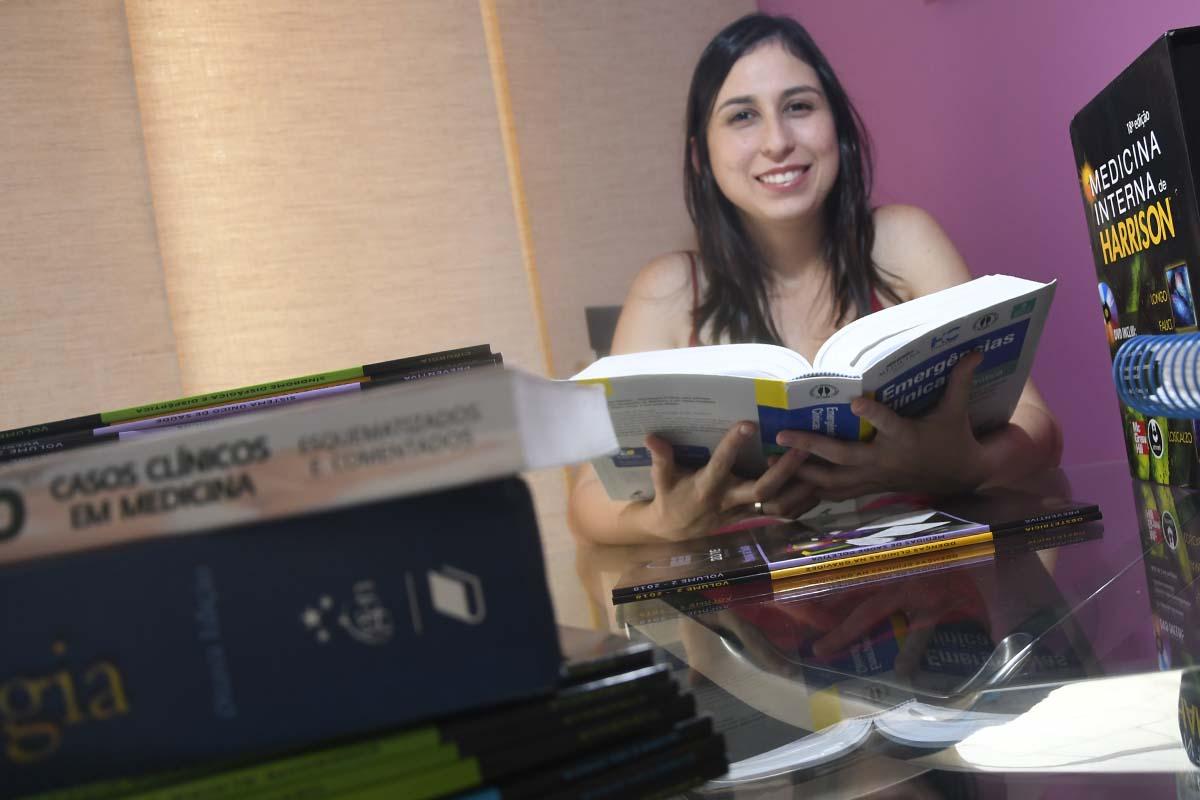 5ad84c542 E por esse sonho muitos estudantes dedicam horas